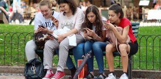App creada por adolescentes para mujeres cuando caminan solas a casa