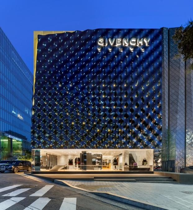 Givenchy-piuarch-Seoul-South-Korea-Shin-Kyungsub (6)