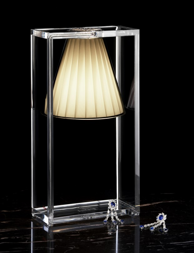 14 Lampe LIGHT AIR par Eugeni Quitllet avec Kartell