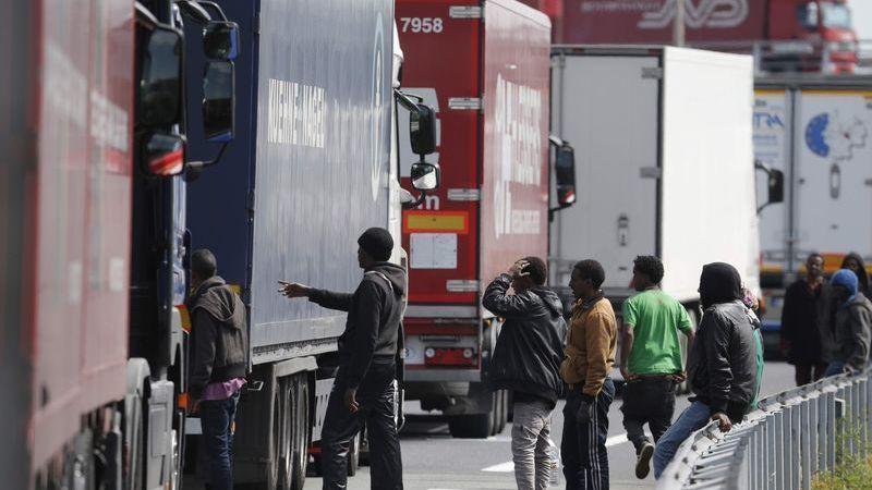 inmigrantes, Calais, Reino Unido,