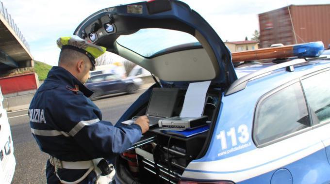 multa, manipulación, tacógrafo, policía de tránsito, Italia,