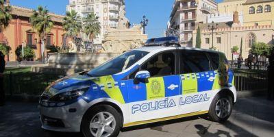 policía, local, Sevilla, inmoviliza, vehículo, 25, metros,