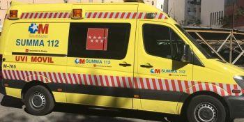 Un camionero herido muy grave atrapado entre dos camiones