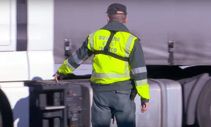 Investigado un camionero por circular en zigzag sextuplicando la tasa de alcohol