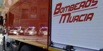 Murcia, fábrica, palés, camiones, empresa, arden, incendio,