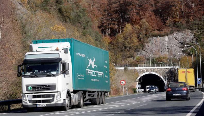Ayuntamientos, desvío, camiones, A-15, obras, túnel, Belate,