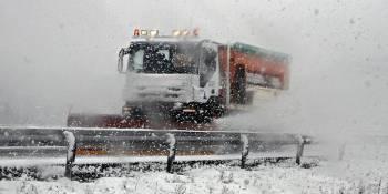 cortado, Puerto Manzanal, camiones, A-6, DGT, carreteras, nieve,