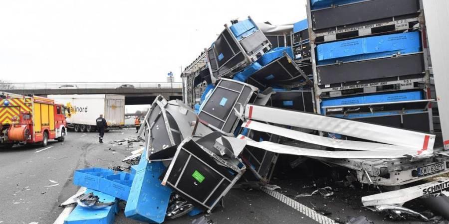 accidente, dos, camiones, autopista, A-1, cortada, Francia,