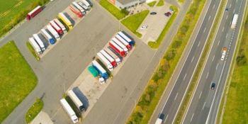 fondos, mejorar, áreas de estacionamiento, seguras, protegidas,