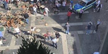 cuatro, personas, muertas, heridas, atropello. Alemania,