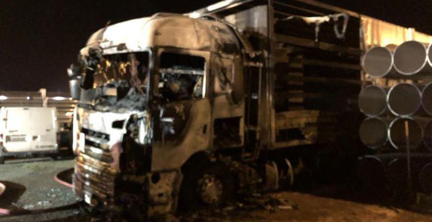 camionero, detenido, incendiar, camión, compañero,
