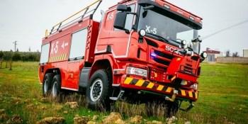 AENA, adquiere, vehículos, autoextintores, Scania P490,