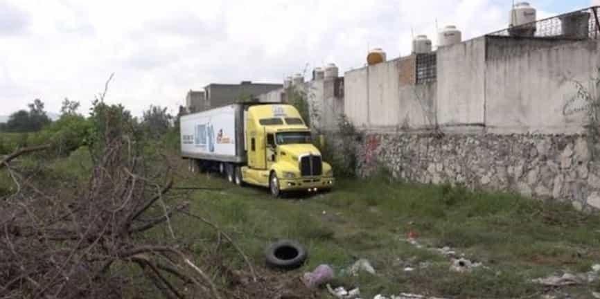 abandonan, camión, cadáveres, México,
