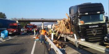 camioneros, heridos, colisión, camiones, A-1,
