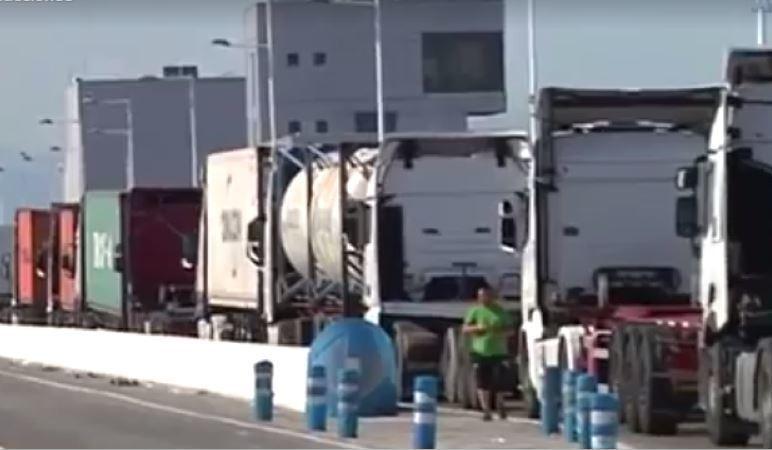 nuevo, acceso, camiones Puerto de Algeciras,