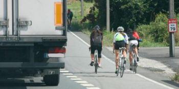 deberían, sacar, ciclistas, carreteras, camiones,