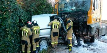 fallecido, conductor, colisión, frontal, camión, cabeza tractora, furgoneta, N-232, Zaragoza,