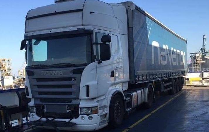 camión, robado, Scania blanco, semirremolque, lona azul, alerta,