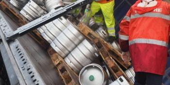 comenzó, retirada, cerveza, 22.000 litros, camión, camionero, polaco,
