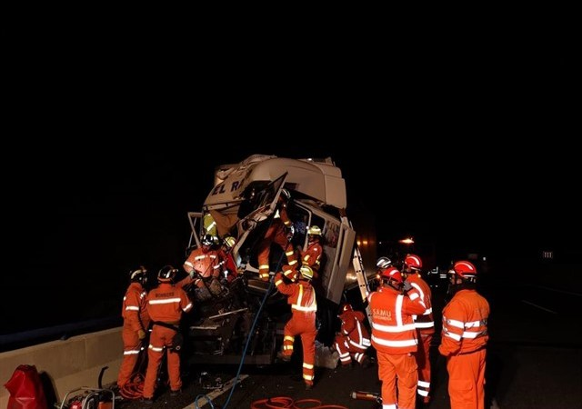 herido, camionero, accidente, dos camiones, sucesos, sociedad, transporte por carretera, nacional,