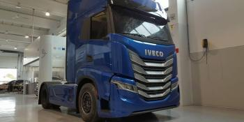 nuevo, camión, Iveco, camuflado, fotos, empresas, fabricantes,