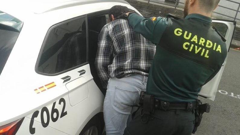 detenido, presunto, autor, robo, intimidación, taxista, Pontevedra,