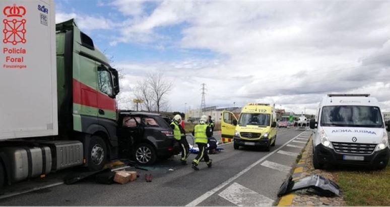 dos, heridos, colisión, camión, todoterreno, N-121,