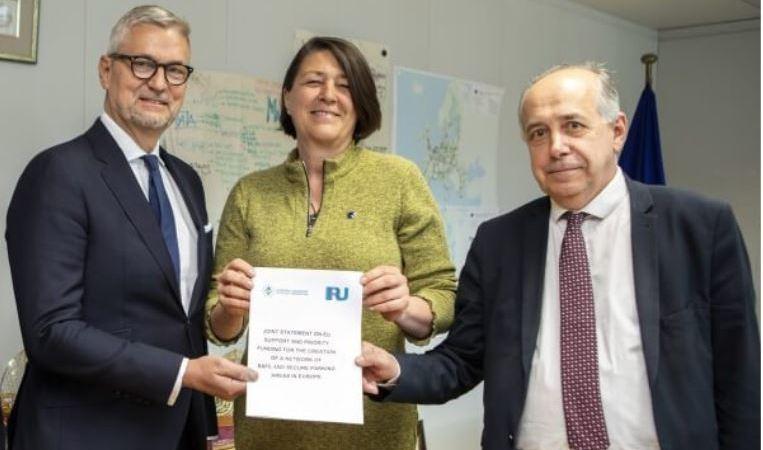 IRU, ETF, unen, pedir, UE, áreas, estacionamiento, seguras, camiones,