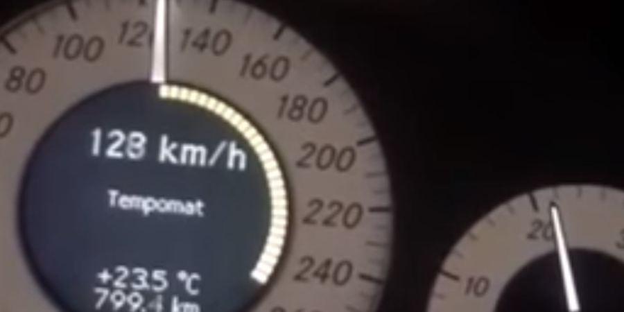 camión, circulando, velocidad, visto en la red,