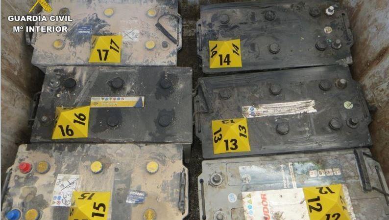 detenidas, tres, personas, robo, baterías, camiones,