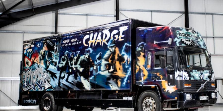 camión, Volvo, grafittis, subasta, curiosidades, fotos y vídeo,