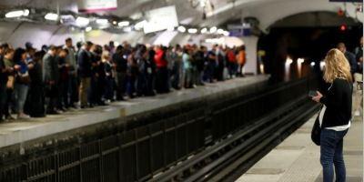 reforma, pensiones, huelga, transporte, urbano, colapsa, París,