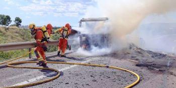 incendia, camión, A-7, Riba-roja,