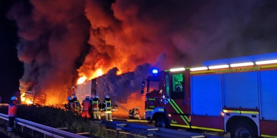 heridos, graves, colisión, incendio, camiones, vídeo,