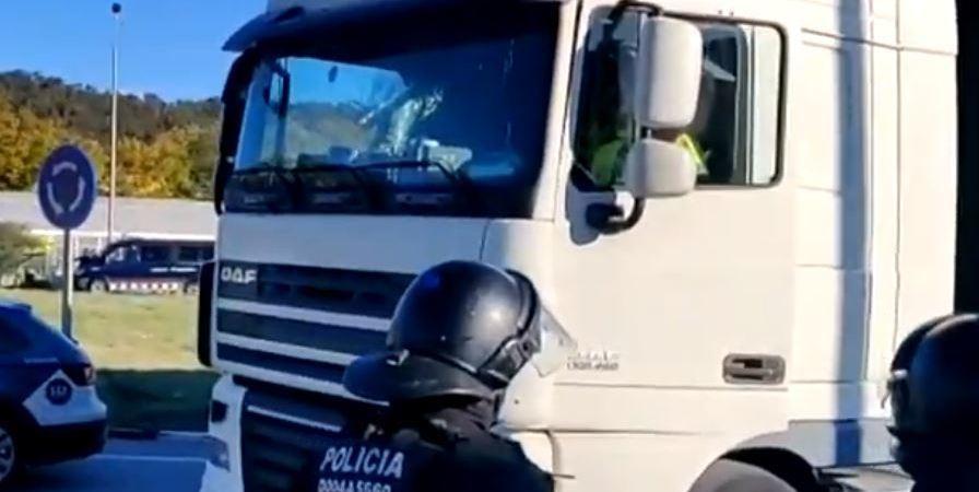 detenido, camionero, La Junquera, intento, atropello, vídeo,