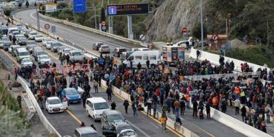 manifestantes, Tsunami, retirada, vehículos, frontera, AP-7,