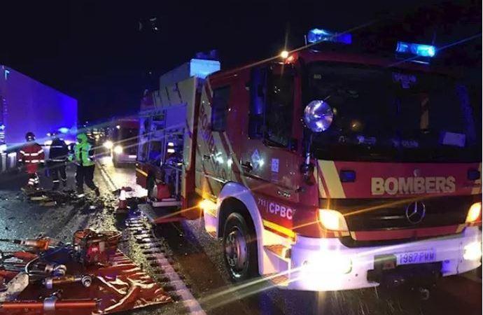 fallecidos, heridos, accidente, coches, camión,