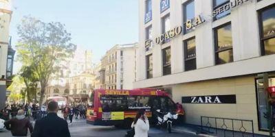 10 heridos, colisión, autobús, Sevilla,