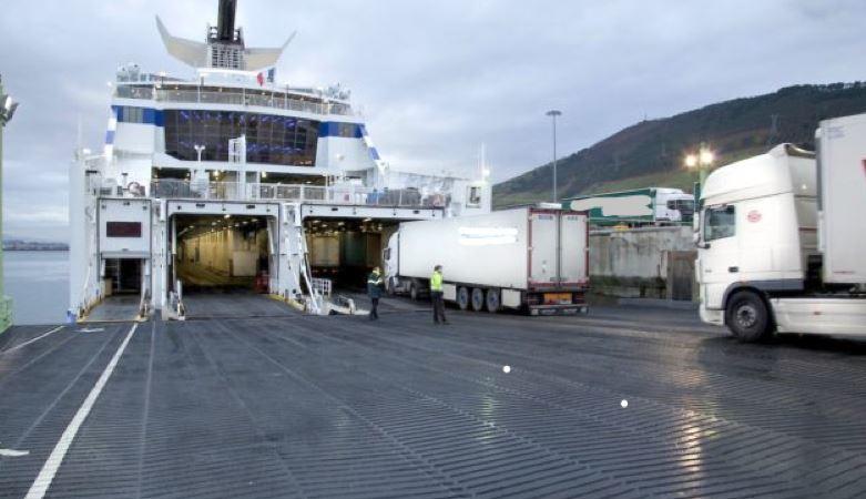 problemas, camioneros, embarcar, ferrys,