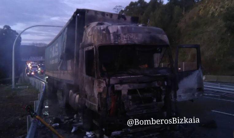 incendia, camión, N-644, fotos, vídeo,