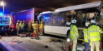accidente, túnel, Bereven, camionero, carné,