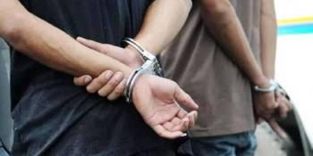 dos, detenidos, robo, camion, violencia,