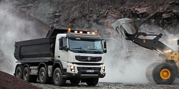 Volvo FMX, 10 años, conduciendo, condiciones, adversas,