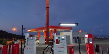 La primera estación de Redexis y Cepsa en la AP-7 ahora tienen combustible GNC