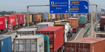 Las retenciones de camiones en el Puerto de Valencia.