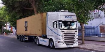 ¡Alerta camión robado!. Scania blanco matrícula 4760-JMT con la plataforma matricula R-7606-BCX
