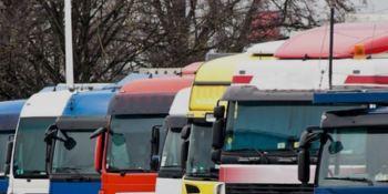 Denunciadas las condiciones de trabajo de algunos camioneros que cargan para IKEA