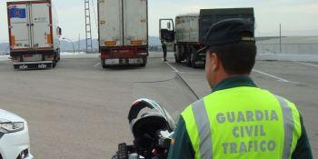 Denunciados 2.525 conductores de camiones y autobuses en una semana