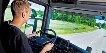 IRU pide combatir el desempleo juvenil reduciendo la edad mínima de los conductores profesionales