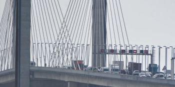 Afecciones al tráfico en el Puente del Centenario en Sevilla